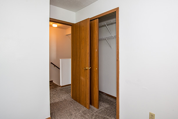 chelsea village apartments bedroom closet