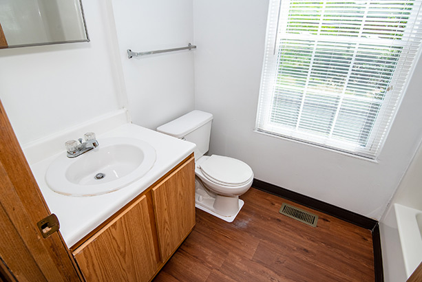 chelsea village apartments bathroom