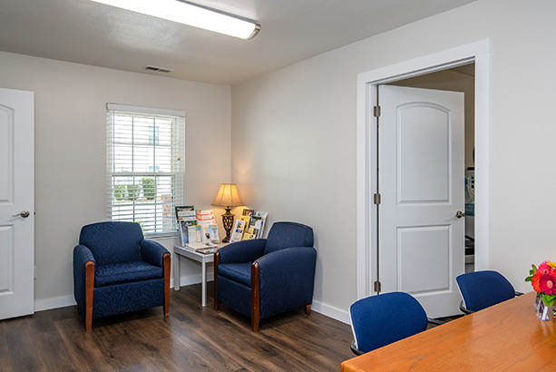 chelsea village apartments community room