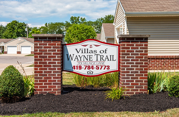 villas of wayne trail entrance sign